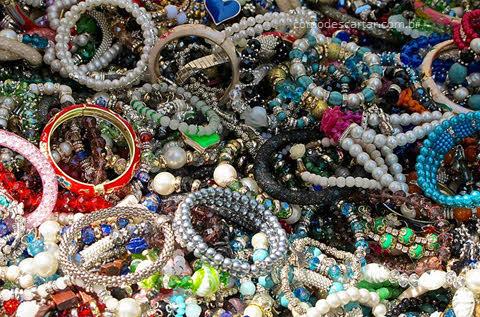 Como descartar bijuterias