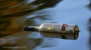Como descartar garrafa de vidro