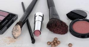Como descartar maquiagem